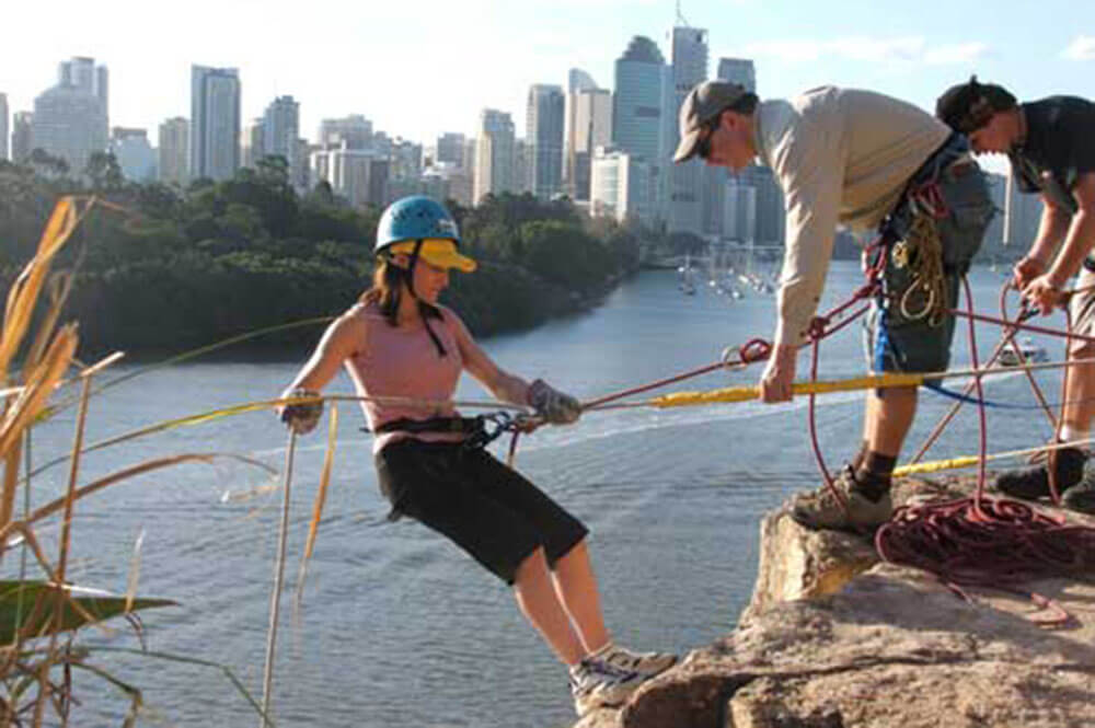 rappelling-activity